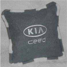 Изображение подарка Светло-серая подушка с кантом Kia ceed